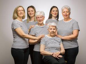 photographe de famille, portrait de Famille, studio photo, photographe famille Suippes
