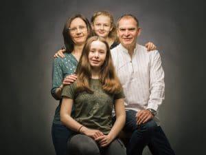 photographe de famille, portrait de Famille, studio photo, photographe famille Courtisols
