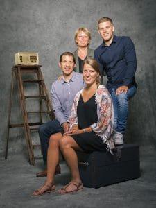 photographe de famille, portrait de Famille, studio photo, photographe famille Reims